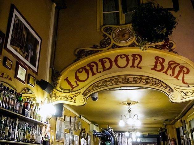 bares auténticos en Barcelona, London Bar