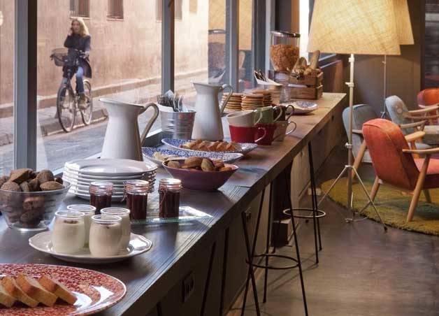 chic and basic buffet desayuno