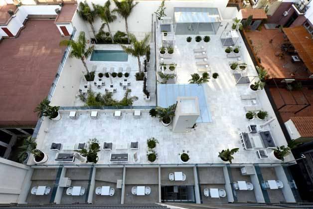 Hotel Índigo terraza