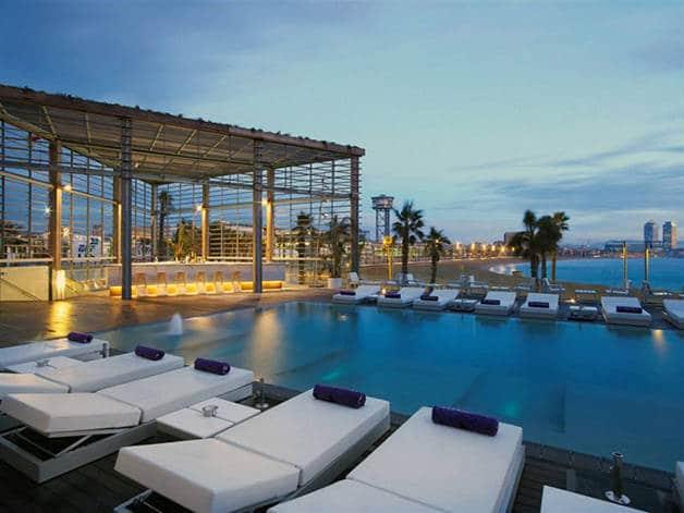 terrazas de hotel: wet bar