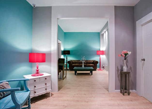 violeta boutique salón sofá