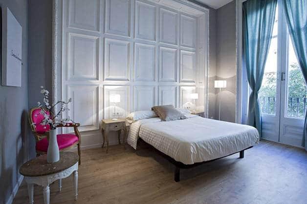 violeta boutique cama habitación doble