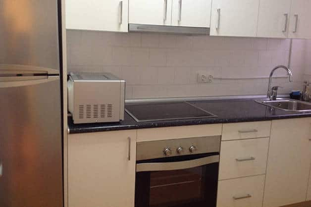 apartamentos madanis cocina