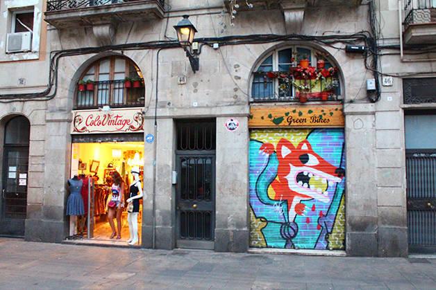 Gótico Raval fachadas tiendas