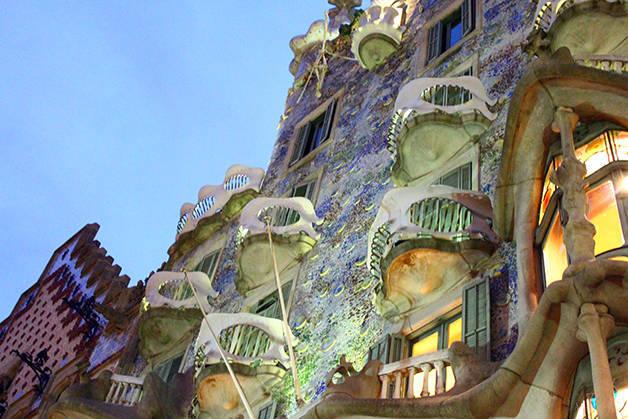 Gaudí casa batlló noche
