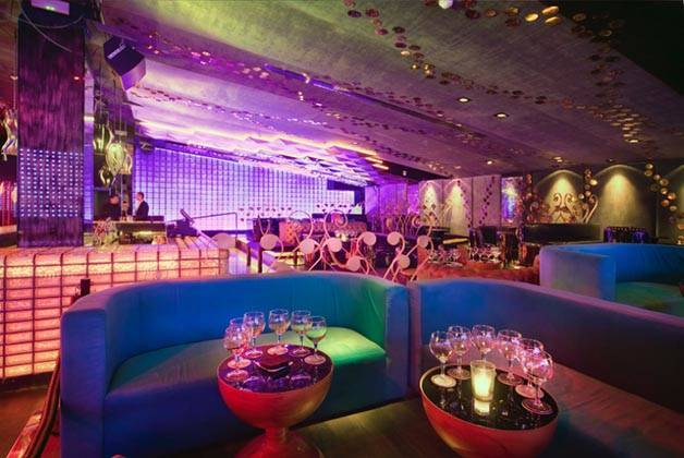 sala y canapés bling bling