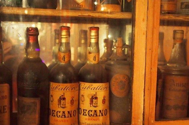 bar marsella: botellas