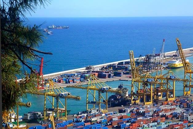 Montjuïc puerto industrial vistas