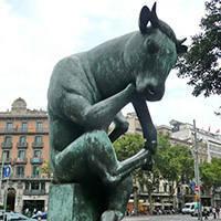 meditación toro arte público