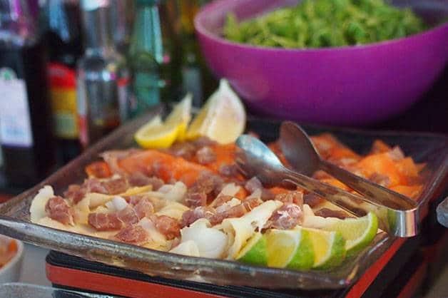 brunch del barcelo raval ensaladas
