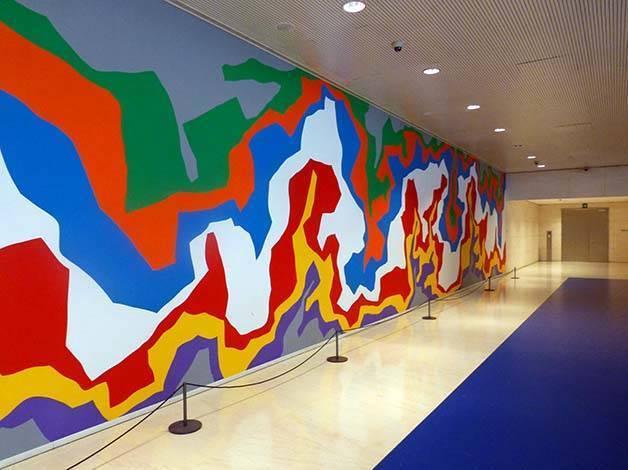 caixafòrum mural de Sol Lewitt