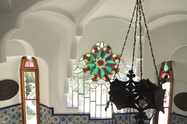 torre bellesguard vestíbulo y vidrieras