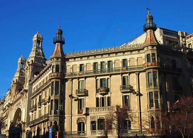rambla catalunya fachada modernista
