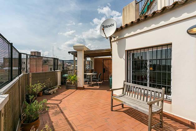 alquilar un apartamento Barcelona terraza vista