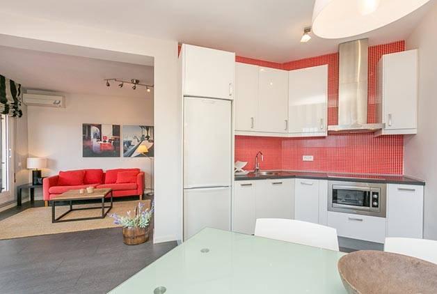 alquilar un apartamento Barcelona salón