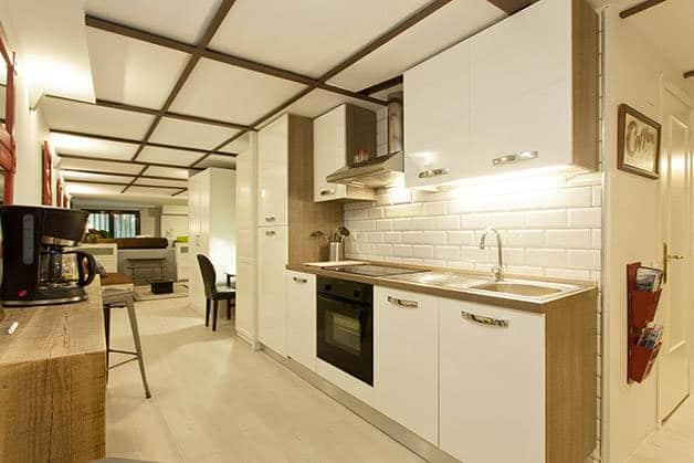 alquilar un apartamento Barcelona cocina
