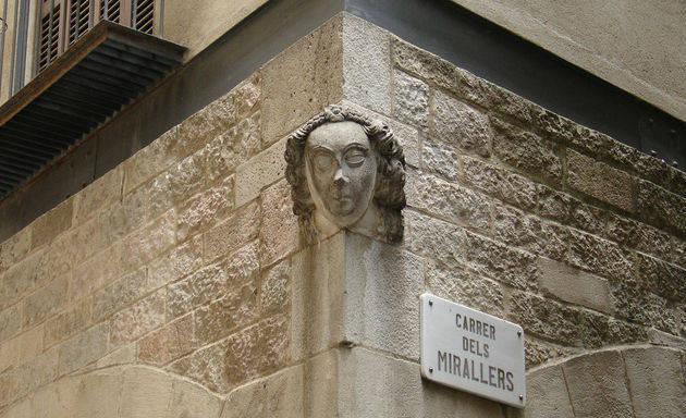 Anécdotas sobre Barcelona: esculturas inmorales