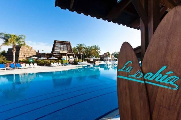 hoteles Port Aventura El Paso piscina