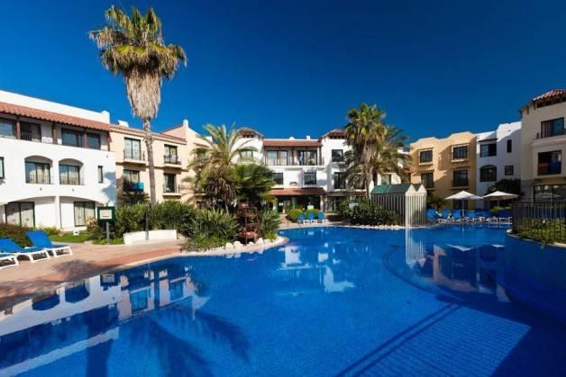 hoteles Port Aventura piscina