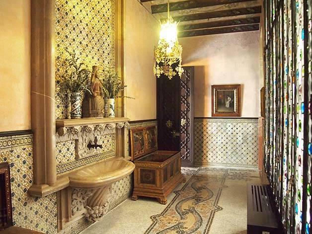 Casa Amatller interior