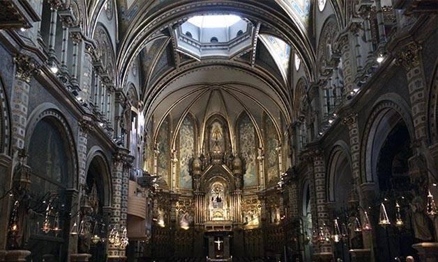 vista_montserrat_monasterio_interior