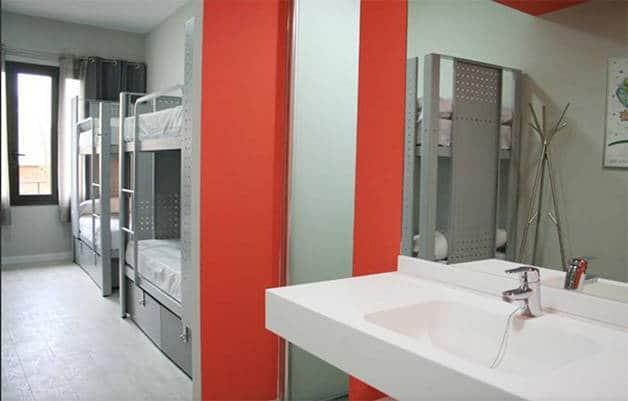 dormitorio colectivo bcn sport hotel