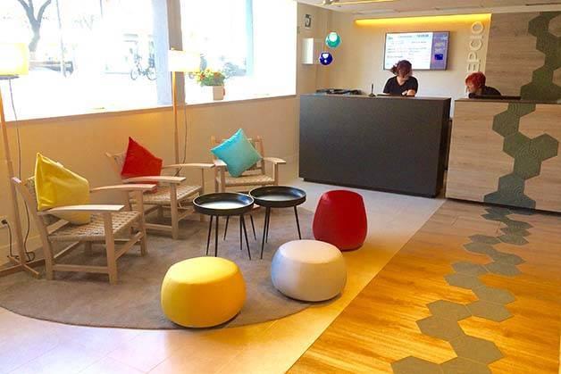 hotel ibis style centre Barcelona recepción y hall de entrada
