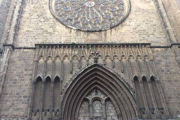 espectáculos-en-Barcelona-Santa-Maria-del-Pi fachada