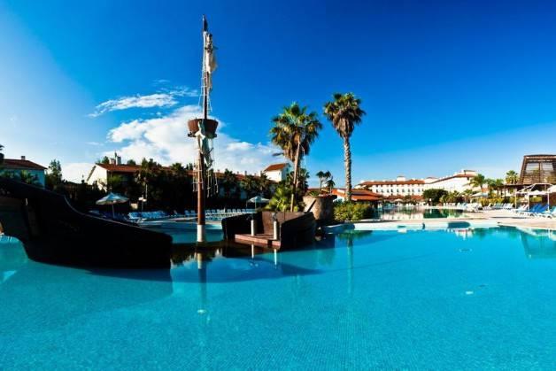 hoteles Port Aventura palmeras