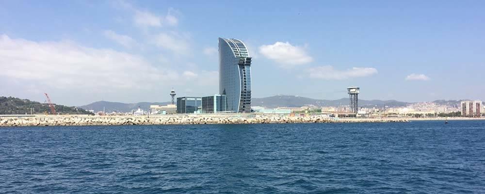 Descubre las playas de Barcelona en barco con Las Golondrinas