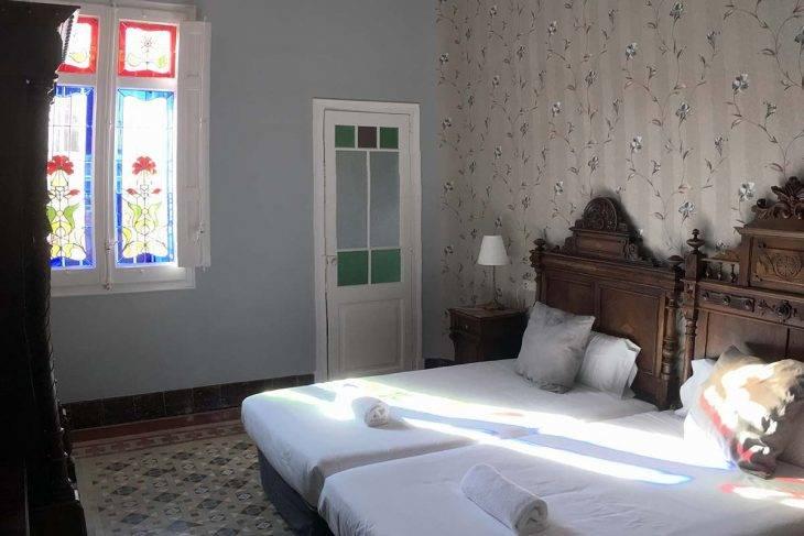 hotel sitges el xalet, habitación