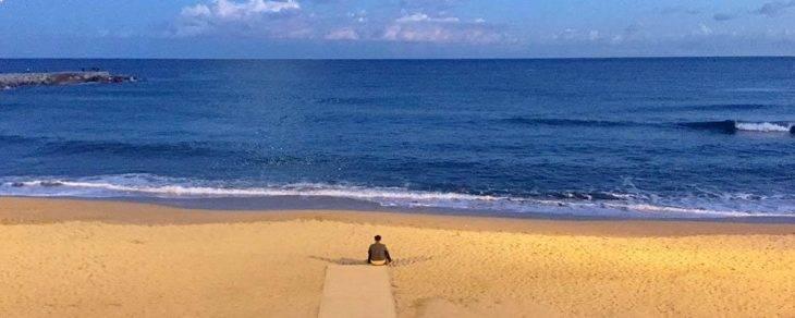 noviembre playa desierta