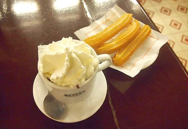 bebidas catalanas, chocolate caliente