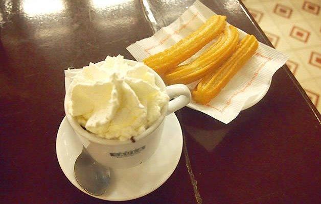Dónde tomar un buen chocolate caliente con churros en Barcelona