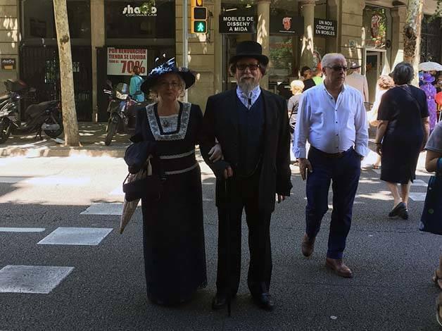 Feria del modernismo trajes