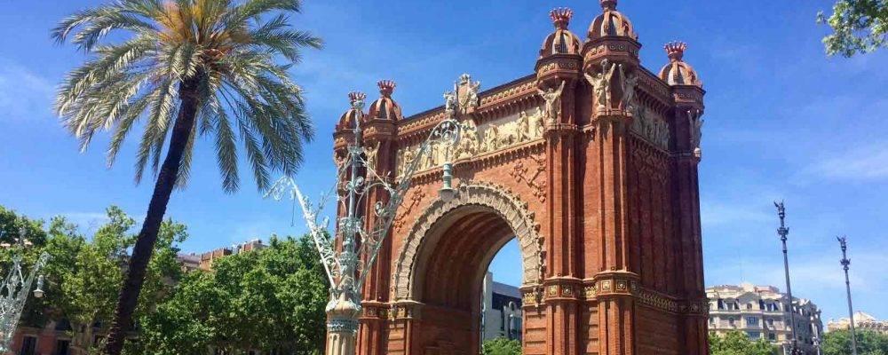 Visita guiada en bicicleta: el paseo cultural ideal para descubrir Barcelona