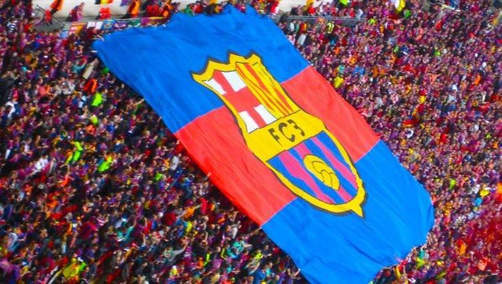 Calendario del FC Barcelone bandera en el Camp Nou