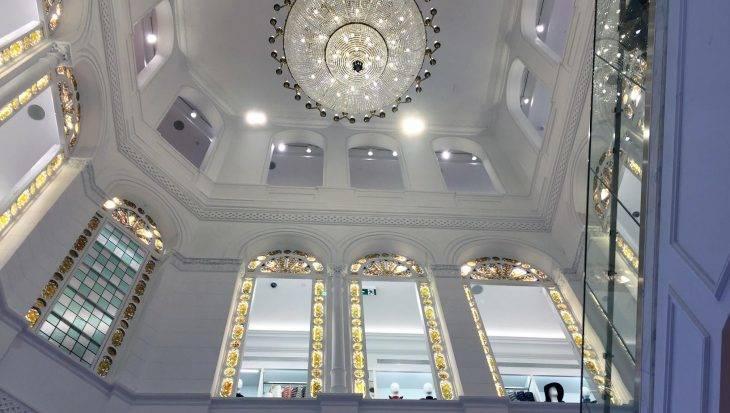 Uniqlo en Barcelona  la marca japonesa de ropa cómoda y con estilo e17deff9f84fd