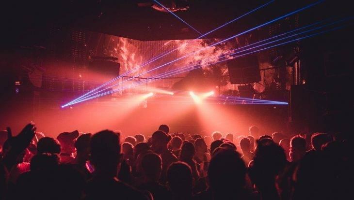 discoteca de música electrónica Input