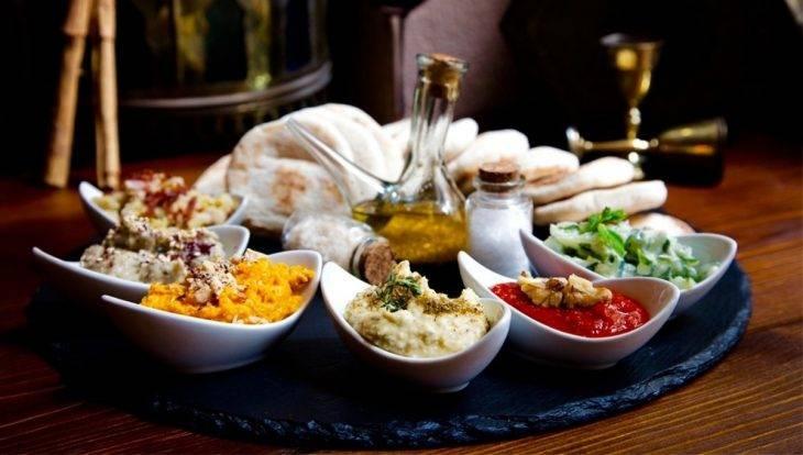 Restaurante romántico: Ziryab - salsas