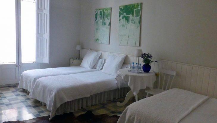 habitación hostal Poblenou