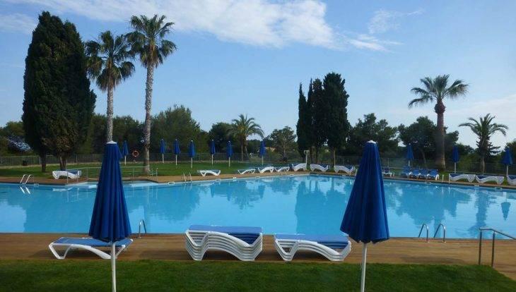 Camping barcelona: Vilanova Park: una de las piscinas