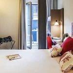 habitación roja hotel Ibis Style Centre Barcelona